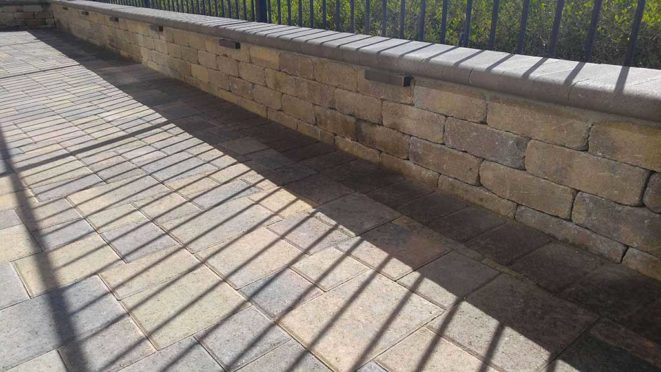 Angelus Rustic Wall with Bullnose Cap
