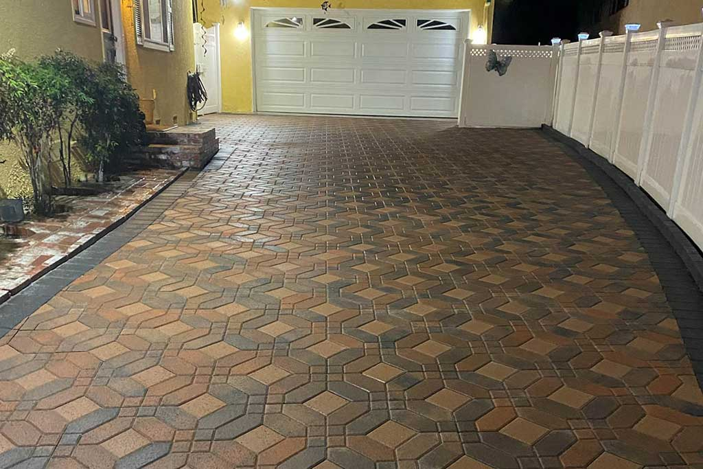 Angelus Symmetry Mixed Colors Paver Driveway