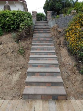 Steps: Brand New Steps with Angelus Bullnose Pavers