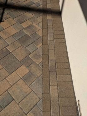 Borders: Mocha and Toscana Pavers
