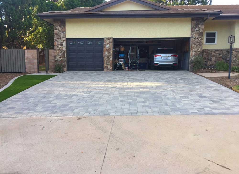 Angelus Courtyard Driveway After Pavers