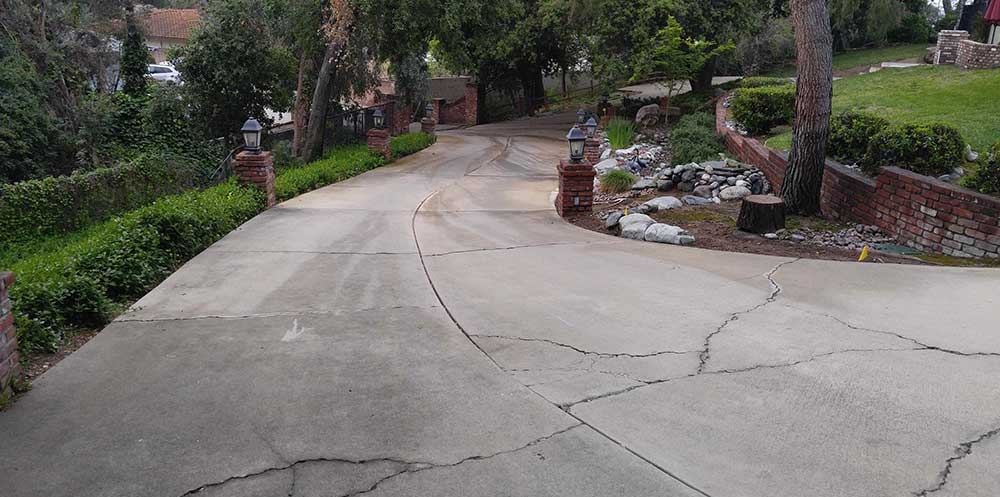 Angelus Courtyard Driveway Before Pavers