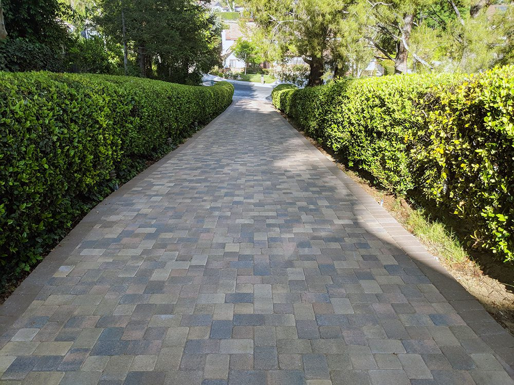 Angelus Courtyard 50/50 Mix of Sand Stone Mocha and Cream Brown Charcoal