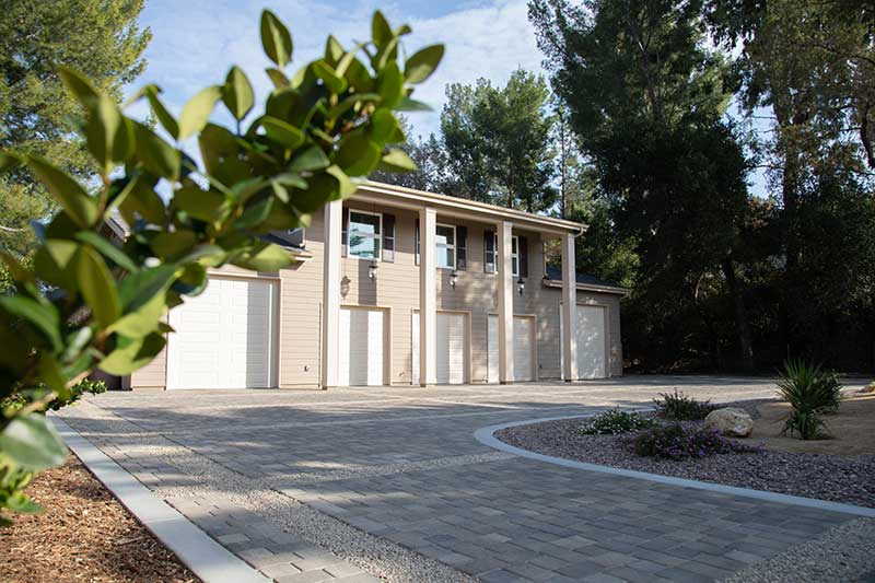 Driveway ideas with Angelus Cobble I and II Pavers